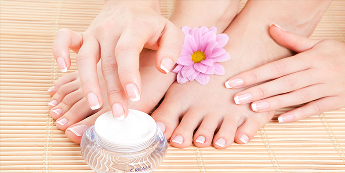 It-enhances-the-beauty-of-your-hands-by-keeping-your