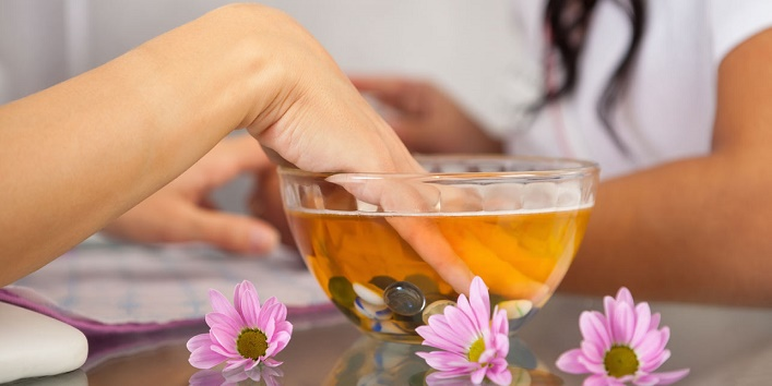 Miraculous Benefits of Hot Oil Manicure1