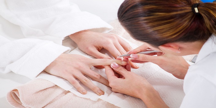Miraculous Benefits of Hot Oil Manicure3