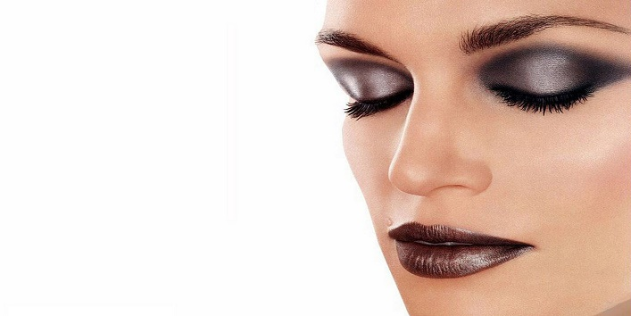 Shimmering Face Makeup for Any Party1