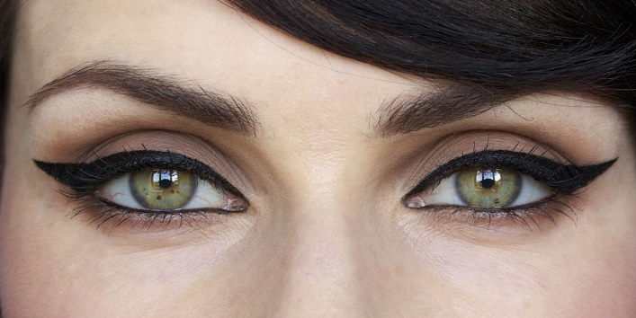 Tips To Make Your Eyes Look Bigger With Makeup3