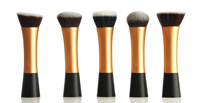 Makeup Brushes in Your Vanity1