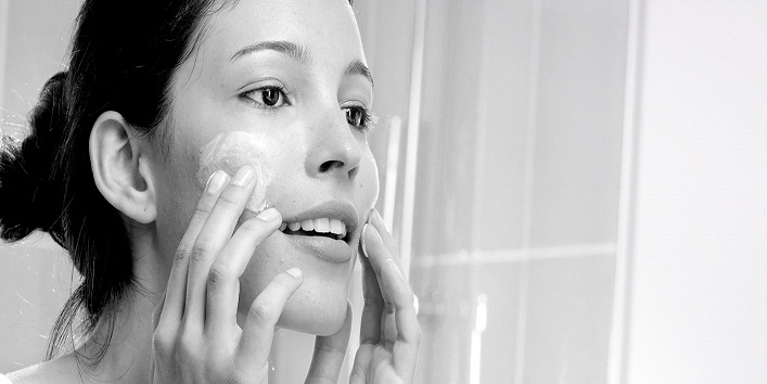Myths About Oily Skin That Need To Be Busted ASAP!4