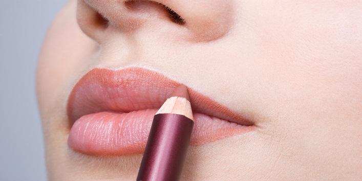 Women Face With Lipsticks8