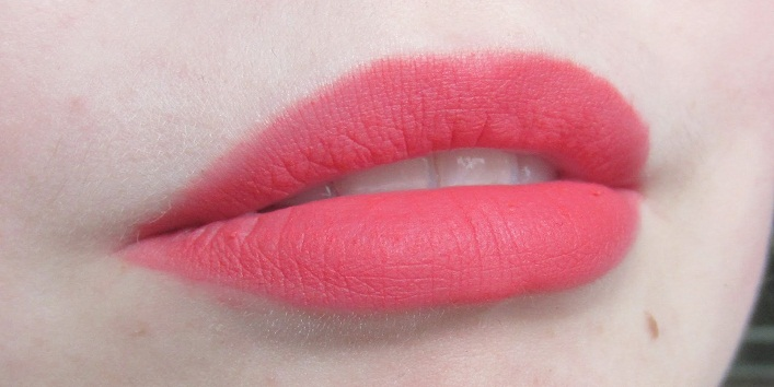 Lipstick Shades for Red Dress3