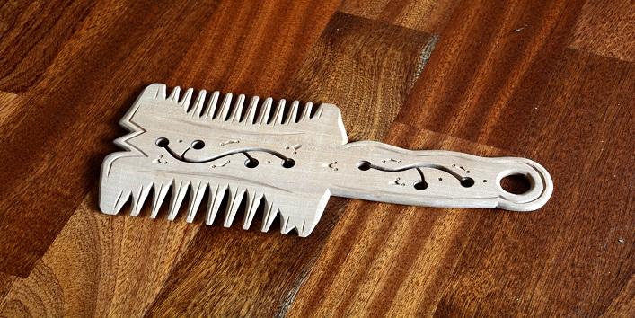 Wooden Comb2