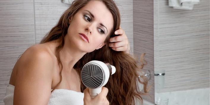 Avoid When Using A Hair Dryer6