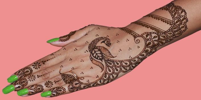 Bombay Style Mehndi Designs5