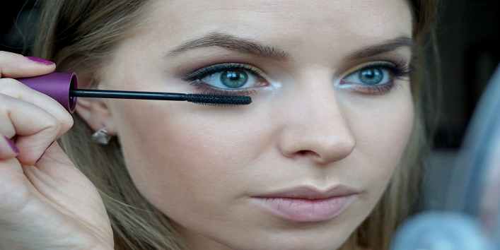 Tips for Perfecting Mascara Eyes4