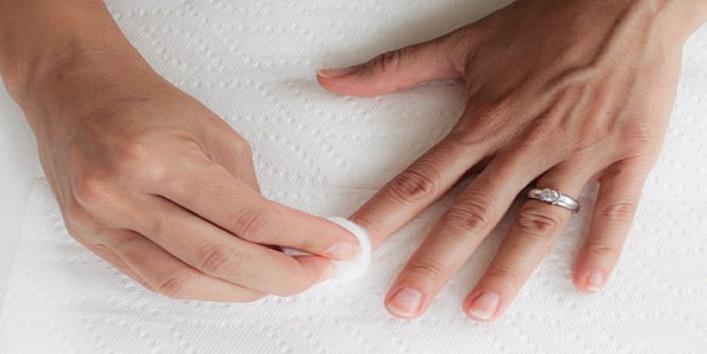 nail-paint-last-longer-2