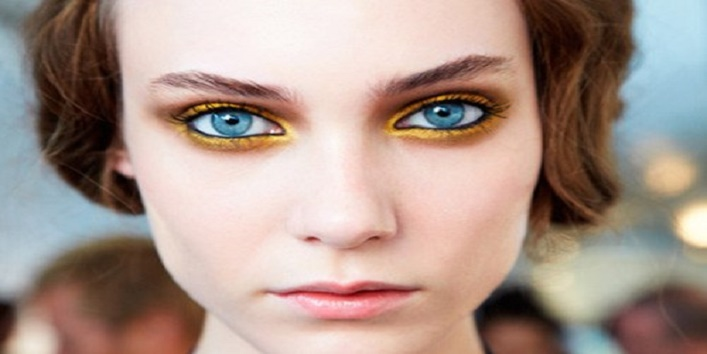 gothic-eye-makeup-tips-for-this-wedding-season-8