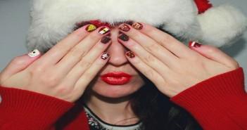 Nail art khoobsurati 7 christmas inspired gorgeous nail art designs you need to try asap prinsesfo Gallery