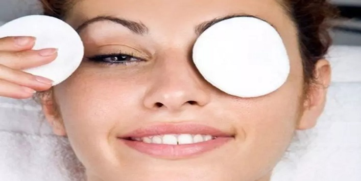Dark Circles with Castor Oil1