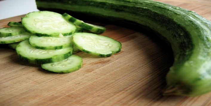 Cucumbers-for-hydrating-and-brightening