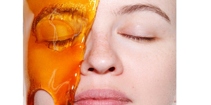 Honey as a natural skin moisturizer