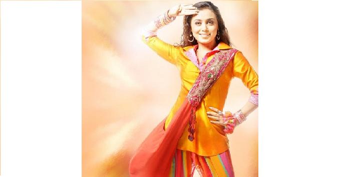 Rani-Mukherjees-outfit-from-Bunty-Aur-Babli-2