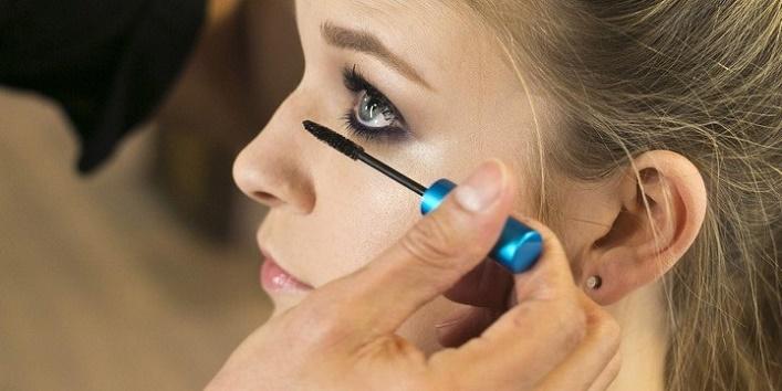 Eyeliner-or-Kajal