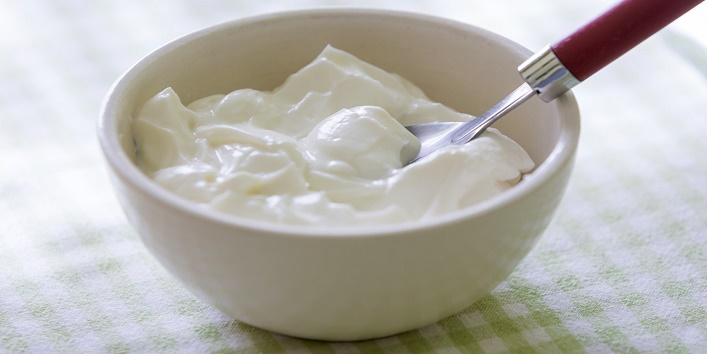 Yogurt-to-get-rid-of-sunburn