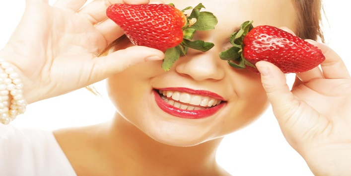 Strawberry face pack for pampering your skin