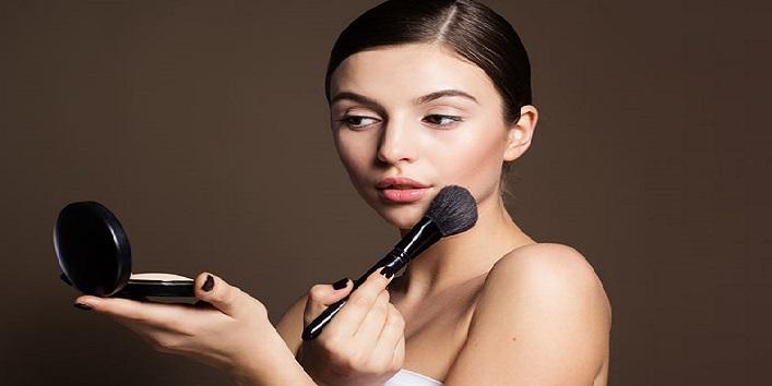 Minimize the use of makeup