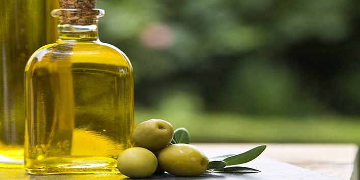 Smart-Ways-to-Use-White-Vinegar-for-Beauty-3