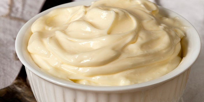 Mayonnaise for restoring hair health