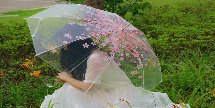 Monsoon Must-Haves to Keep in Handbag2