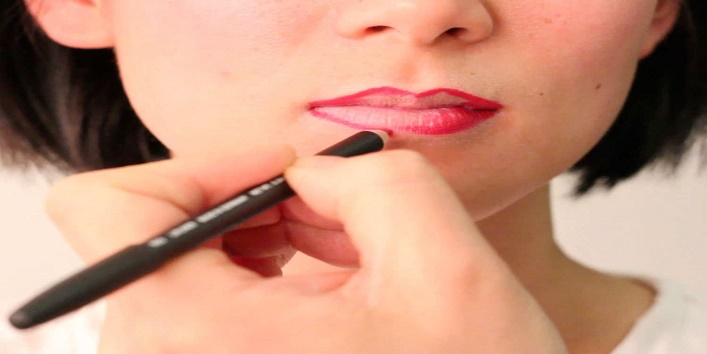 Tips to Avoid Lipstick Stains1